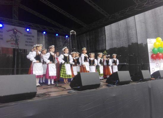 """""""Drzewo Nadziei"""" i """"100 Barw"""" w Wilnie"""