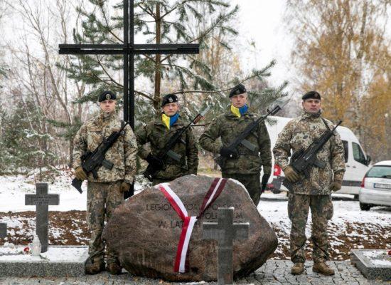 Uroczysta konsekracja kwatery żołnierskiej w Ławkiesach