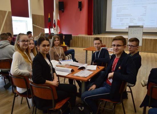 Warsztaty z ekonomii dla uczniów gimnazjów polskich szkół na Litwie
